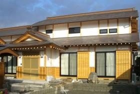 磨丸太の家